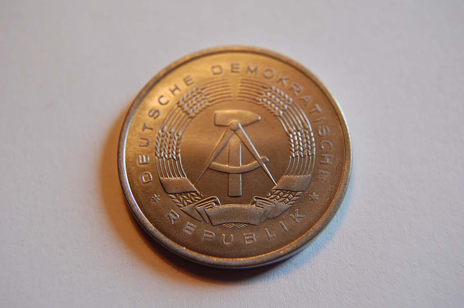 2 Mark 1957 Deutschland / DDR 2 Mark 1957 Probeprägung in Chromstahl in 5 Mark Größe !!! UNC
