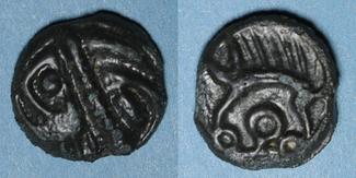 KELTISCHE MÜNZEN Leuques (région de Toul) (2e moitié du 1er siècle av. J-C). Potin, classe Ie De haut relief, vz
